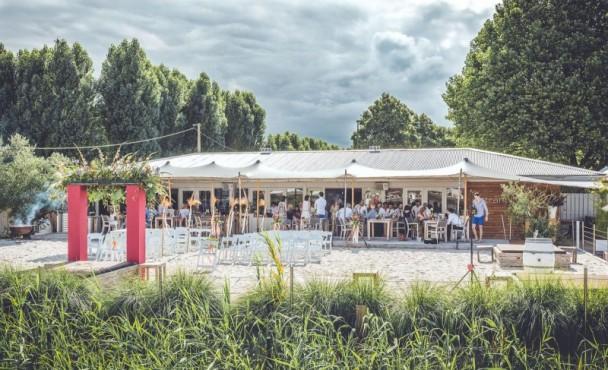 Strantwerpen Club Cabane Foto's