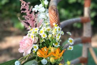 LOTS flower art