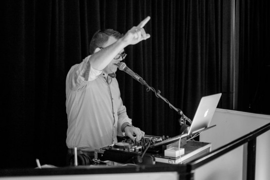 Amusivent - DJ, licht en geluid Foto's